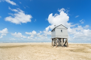 Drowning house at the beach